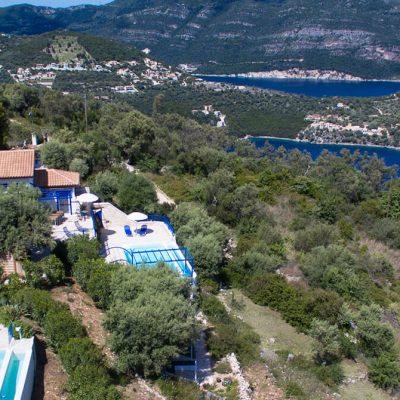 Two luxurious maisonettes in Sivota.