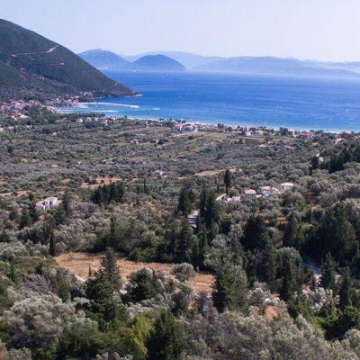 Plot of land with view in Vasiliki, Lefkada.